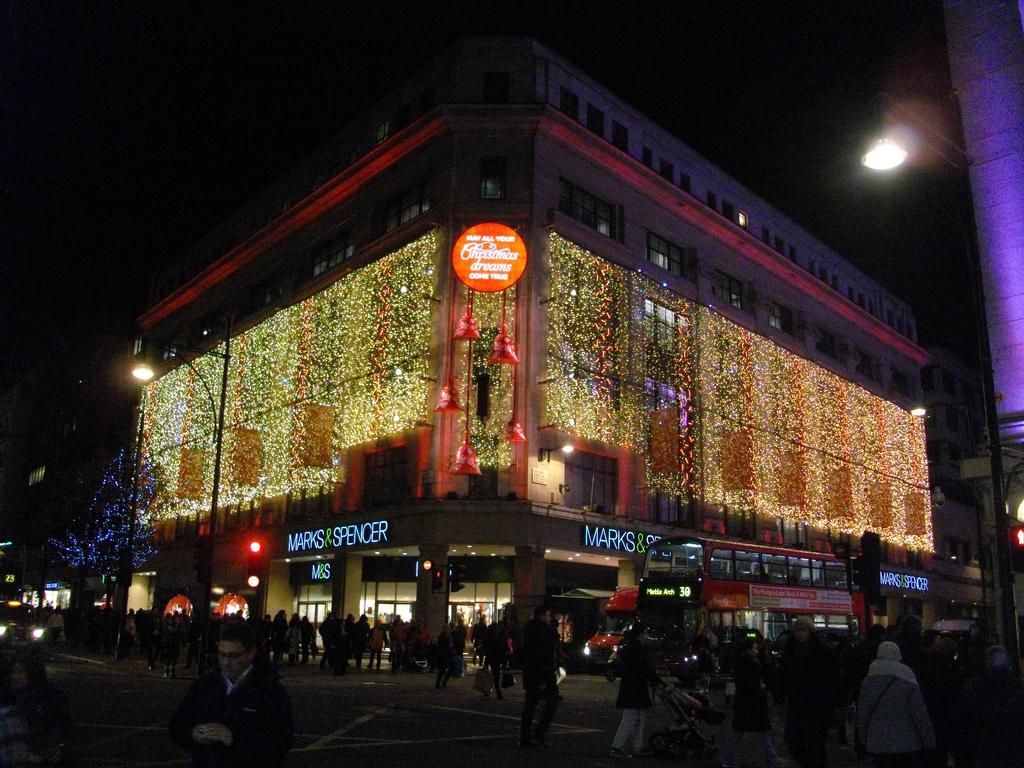der britische Einzelhandelskonzern hatte in den vergangenen Jahren mit sinkenden Absatzzahlen zu kämpfen Foto: Flickr/Paul Robertson