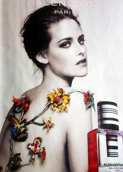 Balenciaga: Kristen Stewart zeigt viel nackte Haut in Parfüm-Kampagne