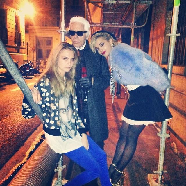 Rita Ora: Shooting mit Cara Delevinge und Karl Lagerfeld