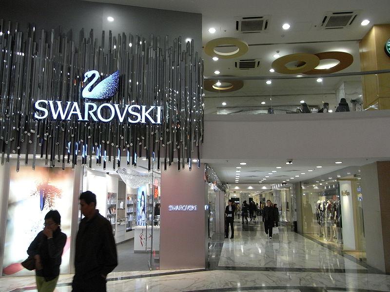 'Swaroski' ist der weltweit führende Hersteller von Kristall-Schmuckstücken Foto: Wikipedia / Emociena