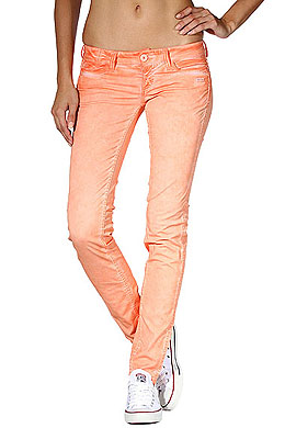 Fashion-Vergleich: Bequeme Loose Fit oder sexy Skinny Fit?