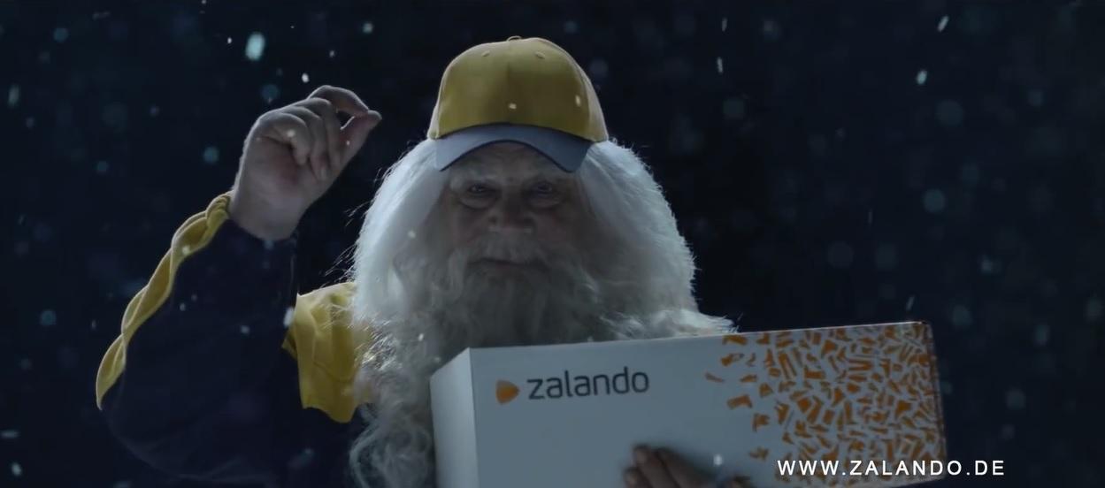 Der Weihnachtsmann ist diesmal schneller als der 'Zalando'-Postbote Foto: Youtube-Ausschnitt