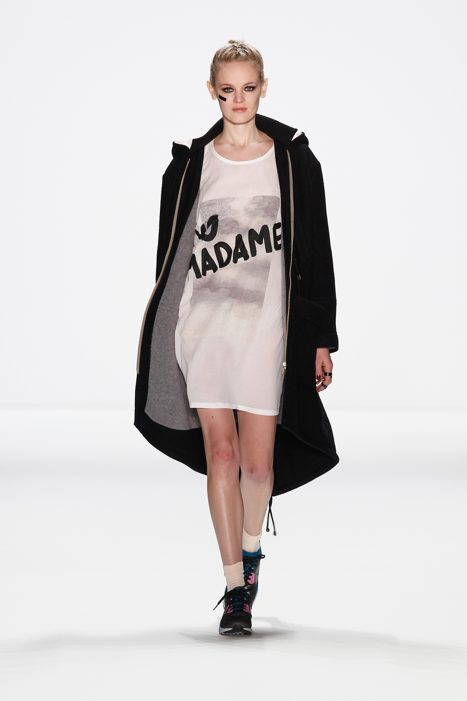 Fashion Week, Berlin: Anne Gorke präsentiert Hip Hop in Pink