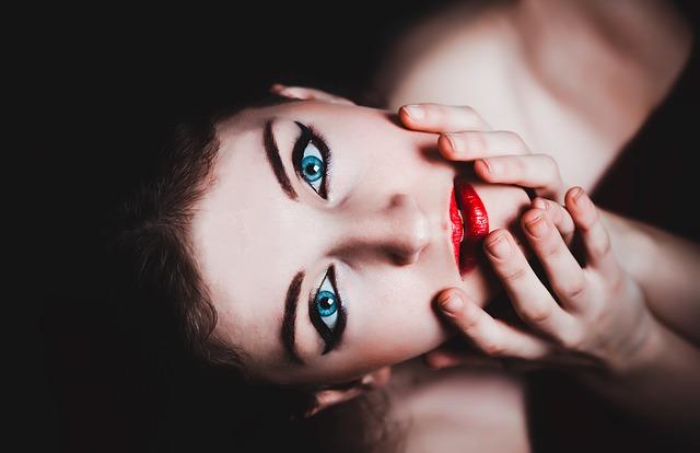 Festliche Make-up Looks 2014 – Glamour rund ums Fest