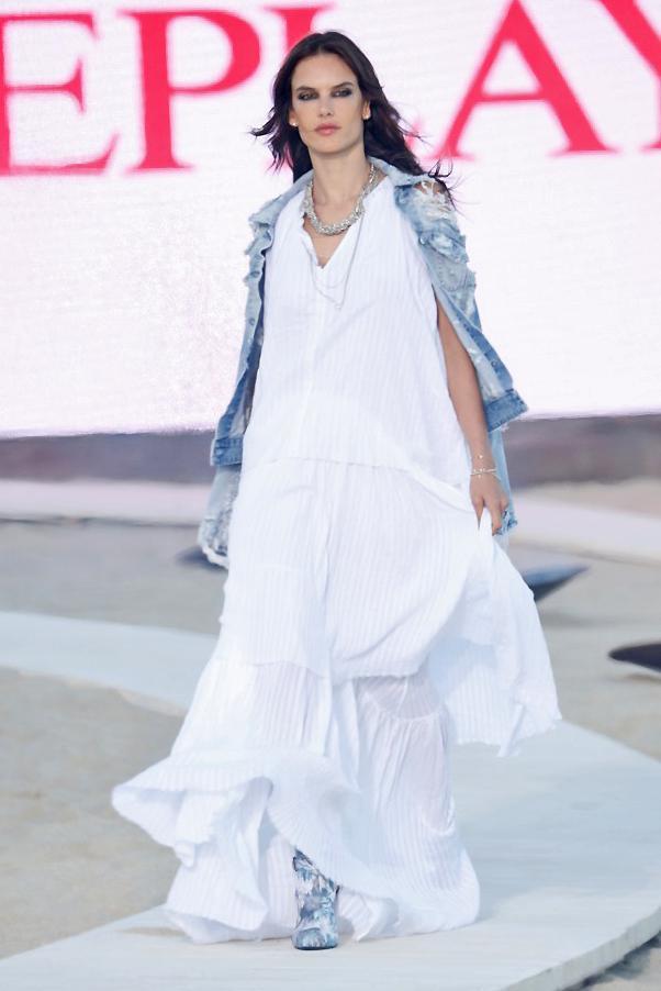Alessandra Ambrosio für Replay  Foto: Fashion Box S.p.A. / The Edge GmbH