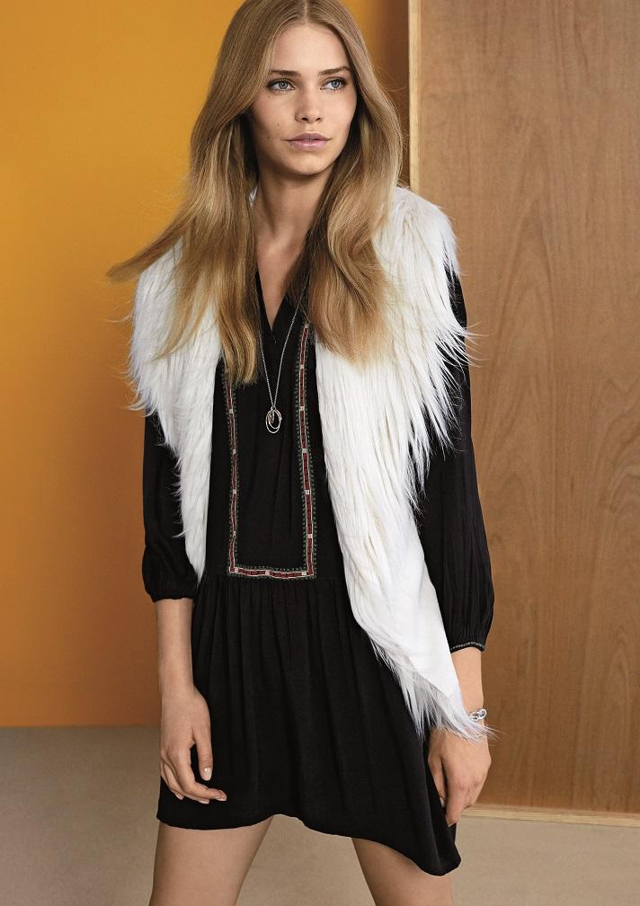 Esprit kommt im Herbst und Winter 2015/2016 mit unbeschwerten Looks im Retro Chic. Foto: Esprit