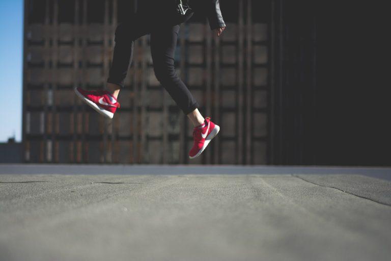 Rote Schuhe – Highlights am Fuß